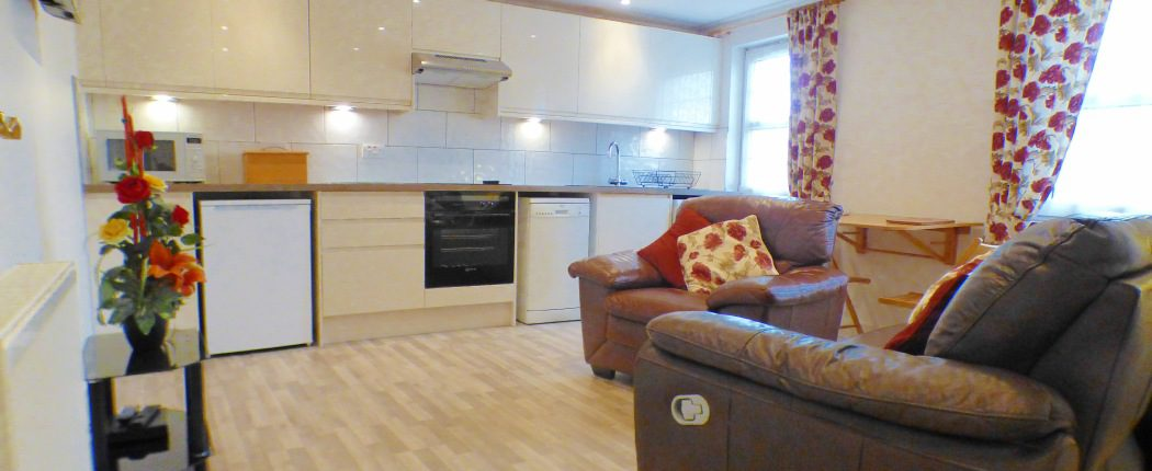 Inverness Self Catering Kitchen Diner lounge
